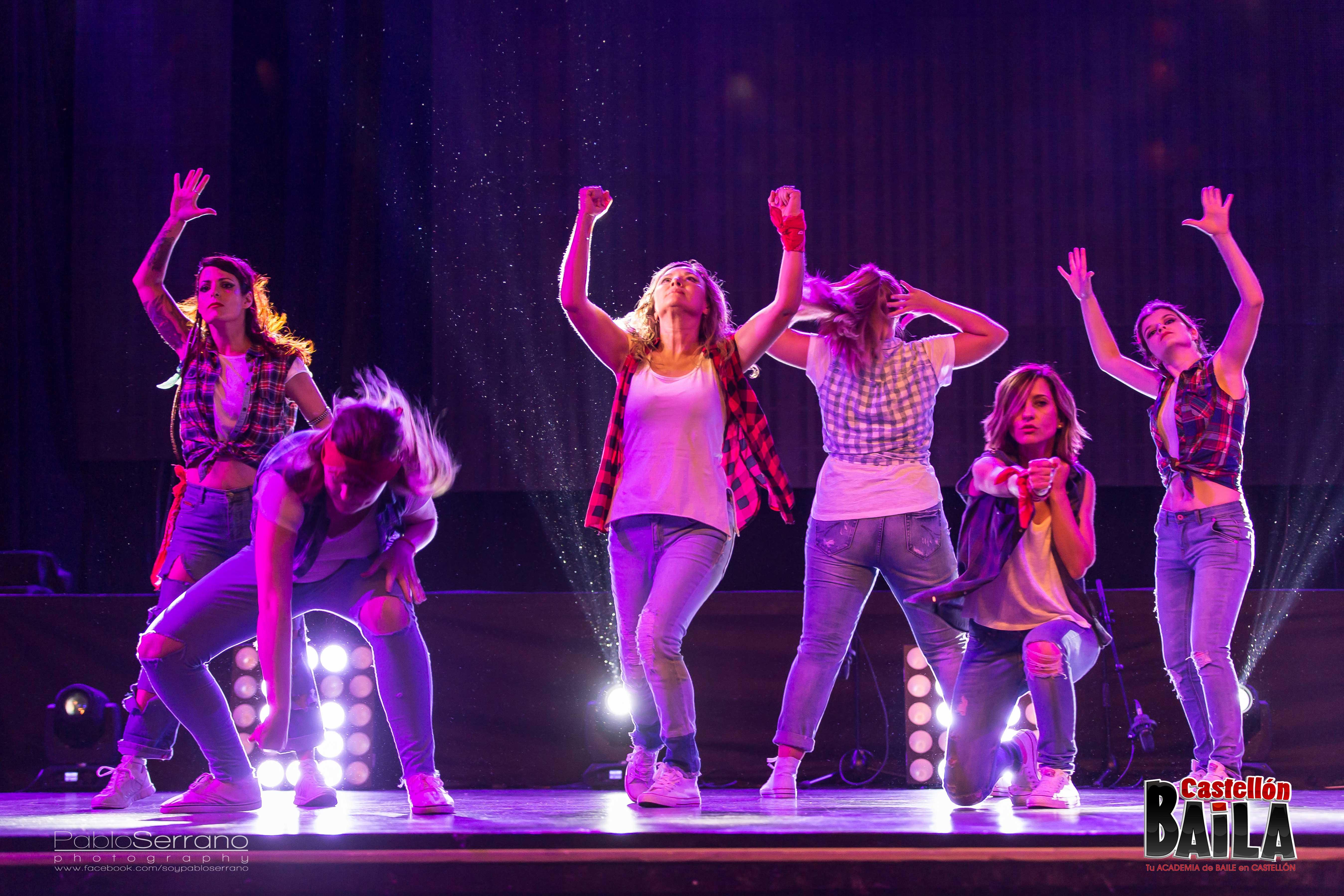 Es sólo al bailar cuando el mundo se mueve con sentido.